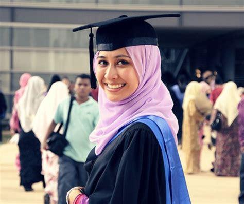 wear  graduation  muslim girl   hijab fashion girl hijab   wear hijab