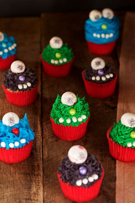 monster cupcakes  halloween  bearfoot baker