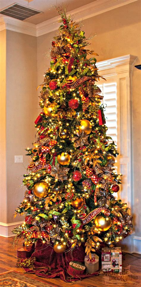 christmas tree theme show  decorating