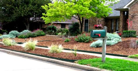 green simple landscaping ideas using mulch for front yard