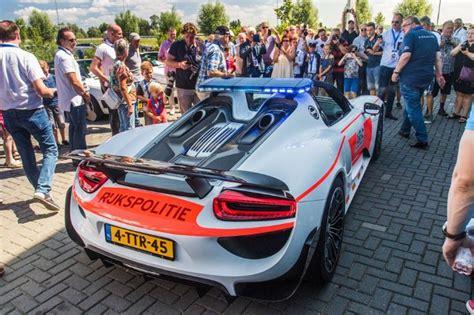 Meerdere Rijkspolitie Porsches Te