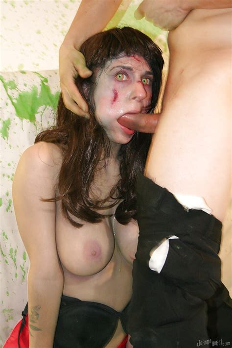 Amateur Milf Joanna Angel Has Sex With A Cosplay Fan In