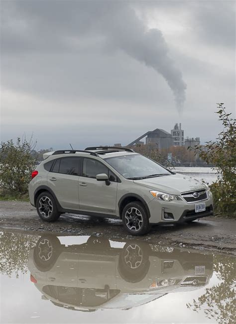 drive  subaru crosstrek review