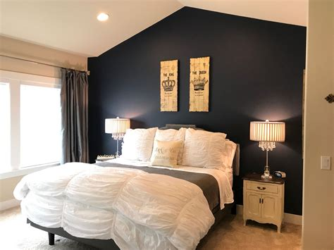 accent wall painted naval  sherwin williams