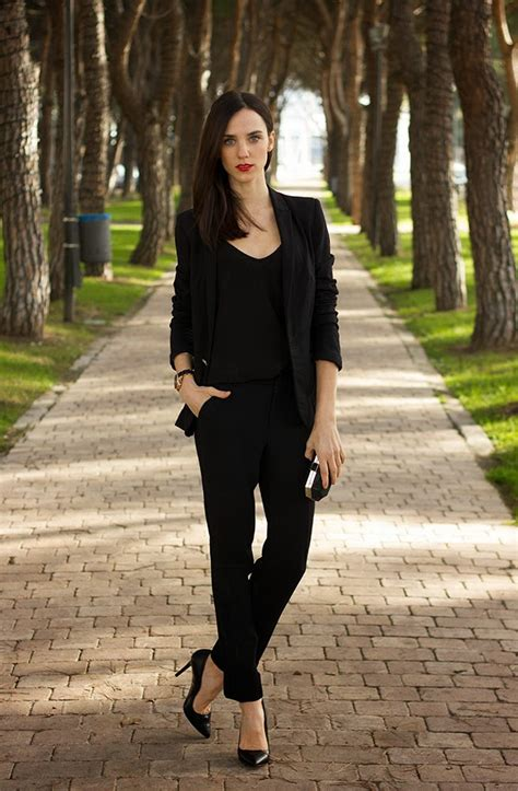 Business Attire Total Black Office Wear For Ladies 2018   FashionGum.com