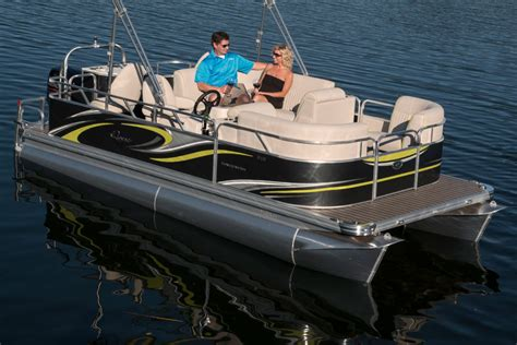Small Pontoon Boats by Qwest Luxury Series 818 Small Pontoon Boat With A Big