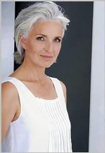 Coupe Cheveux Gris Femme 60 Ans : coiffure courte femme 60 ans cheveux gris ~ Melissatoandfro.com Idées de Décoration