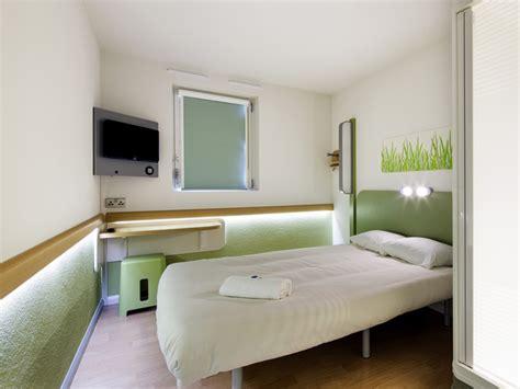 ibis budget chambre hotel ibis budget 2 étoiles à lisieux dans le calvados