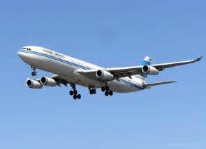 飛行機:File:Kuwait.airways.a340.arp.750pix.jpg - Wikimedia Commons