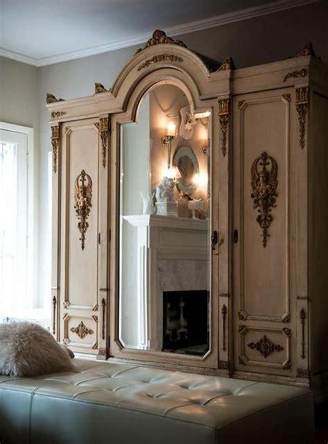 grand miroir chambre comment décorer avec le grand miroir ancien idées en