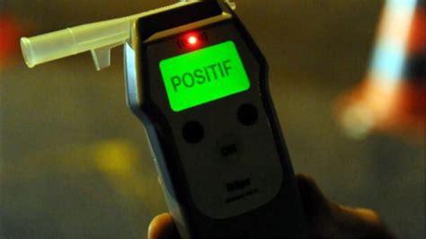 alcool conducteur eure contr 244 l 233 s positif 224 l alcool trois conducteurs priv 233 s de leur permis