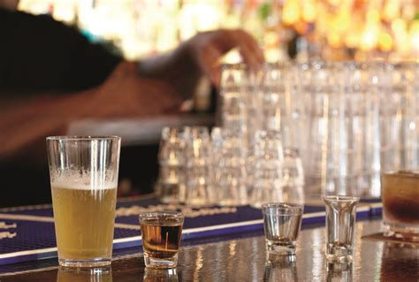Plastic Vs Glass Drinkware For Commercial Foodservice
