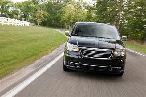Next Generation Chrysler Minivan by Next Generation Chrysler Minivans To Get Awd