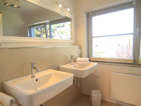 Badezimmer Zwei Waschbecken  Badezimmer Blog