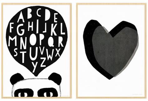 deco de chambre fille ado des affiches enfant en noir et blanc joli place
