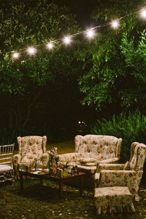 relaxed outdoor rustic vintage wedding weddingomania