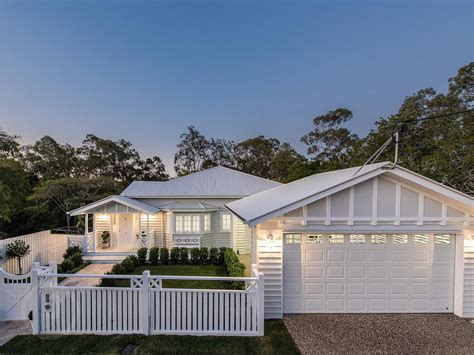 stunning homes with style stunning htons queenslander style home in brisbane