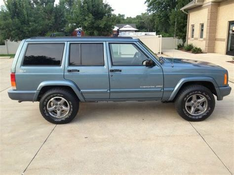 old jeep cherokee models sell used 1998 jeep cherokee classic 4door 4 0l 4x4