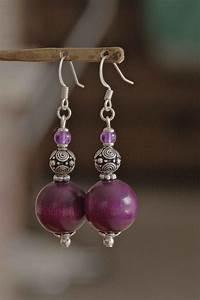 Boite A Boucle D Oreille : boucles d 39 oreilles perles bois couleur am thyste et perles m tal travaill boucles d 39 oreille ~ Teatrodelosmanantiales.com Idées de Décoration