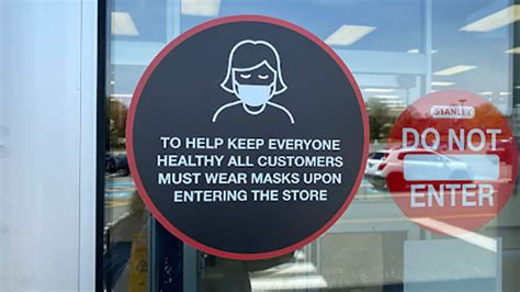Chief medical officer of health dr. Alberta health professionals want mask wearing rules expanded - RCI   English