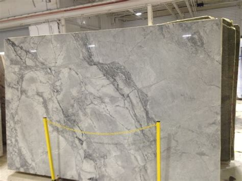will white quartzite stain