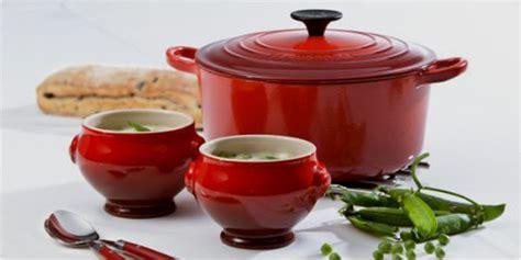 cuisiner avec une cocotte en fonte recette en cocotte apprendre à cuisiner avec ce mode de