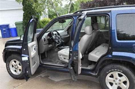 jeep liberty limited 2004 2004 jeep liberty interior pictures cargurus