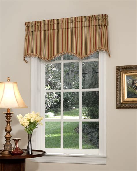 Pretty Windows Valances by Cathedral Scalloped Valance Pretty Windows 174