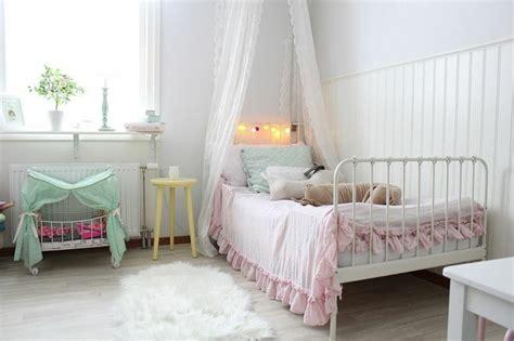 chambre style shabby 35 idées déco shabby chic pour une chambre de fille