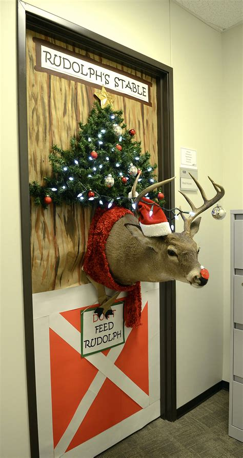 door decoration contest sparks  tti tradition texas
