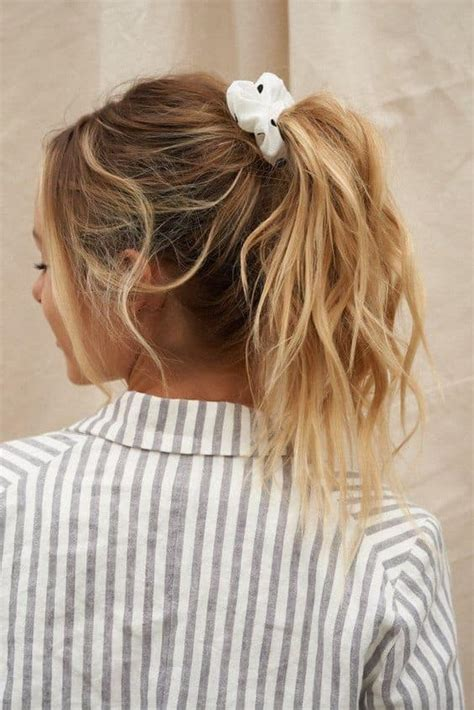 21+ Cute Scrunchie Hairstyles Ideas 2021 New Hairstyle