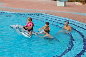 Pics For > Kids Playing In The Pool