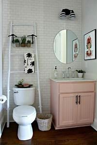 Tableau Pour Salle De Bain : 1001 id es pour am nager une petite salle de bain des strat gies pour pargner de l 39 espace ~ Teatrodelosmanantiales.com Idées de Décoration