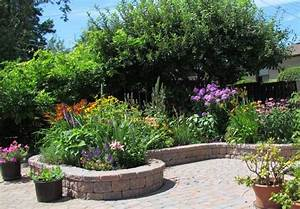 Hochbeet Blumen Bepflanzen : hochbeet aus stein sch n und praktisch den garten gestalten ~ Watch28wear.com Haus und Dekorationen