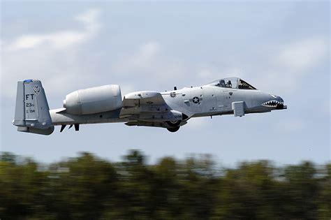 Filea10 Thunderbolt 040925n0295m087jpg Wikimedia
