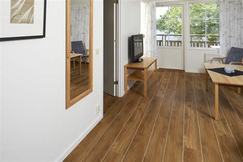 amtico flooring traditional oak beautifully designed lvt flooring from the amtico spacia collection luxury