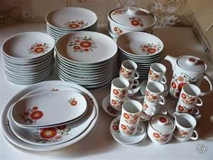 Service Vaisselle Complet Pas Cher : prix service de table complet vaisselle maison ~ Teatrodelosmanantiales.com Idées de Décoration