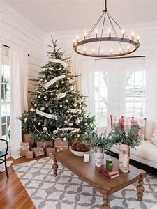 30 Country Christmas Tree Decorating Ideas | GAC
