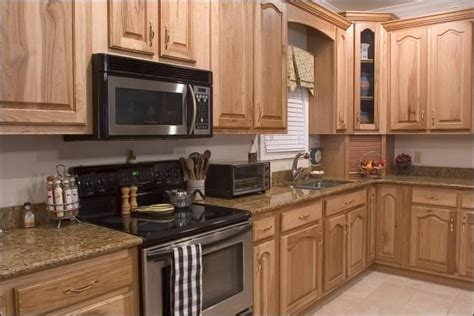 lowes hickory kitchen cabinets 65 best images about hickory cabinets and on 7215