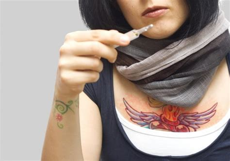 infected tattoo symptoms lovetoknow