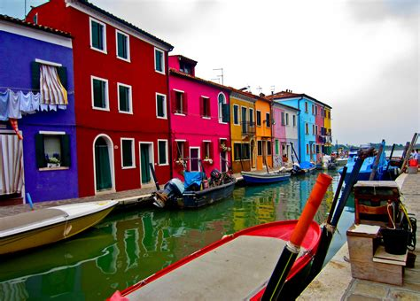 italy colorful houses colorful houses on island of murano italy wallpapers and