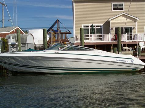 Formula Boat Forum by 1998 Formula 252 Br The Hull Boating And Fishing