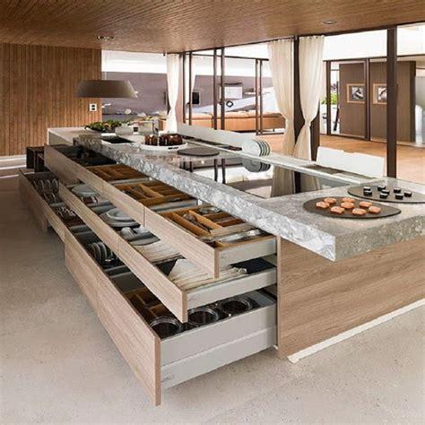 isla de cocina moderna abierta  mucho almacenamiento