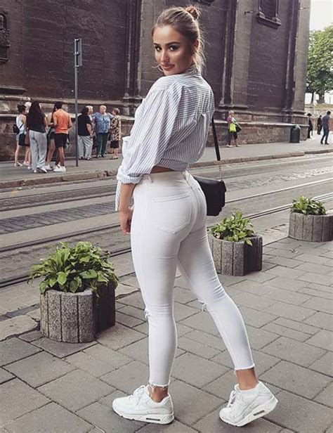 Outfit White Jeans