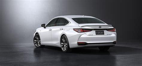 lexus es debuts  beijing tnga platform hybrid