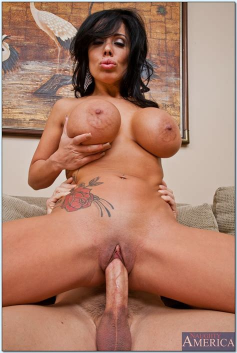Busty Latina Milf Sienna West Gets Her Cunt Slammed