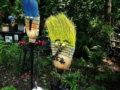 garden art hahahaha scarecrows garden crafts diy