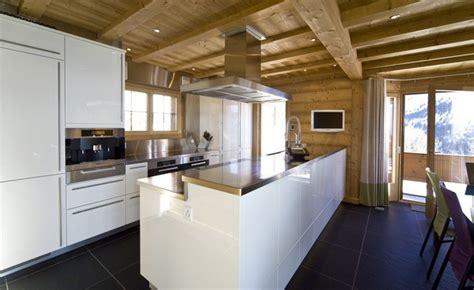 cuisine chalet moderne swiss alpine chalet moderne cuisine autres