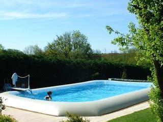 piscine hors sol gonflable zodiac construire piscine autoport 233 e zodiac