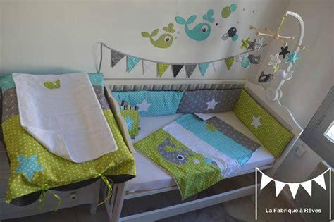 chambre bebe gris blanc décoration chambre enfant bébé baleine anis turquoise gris